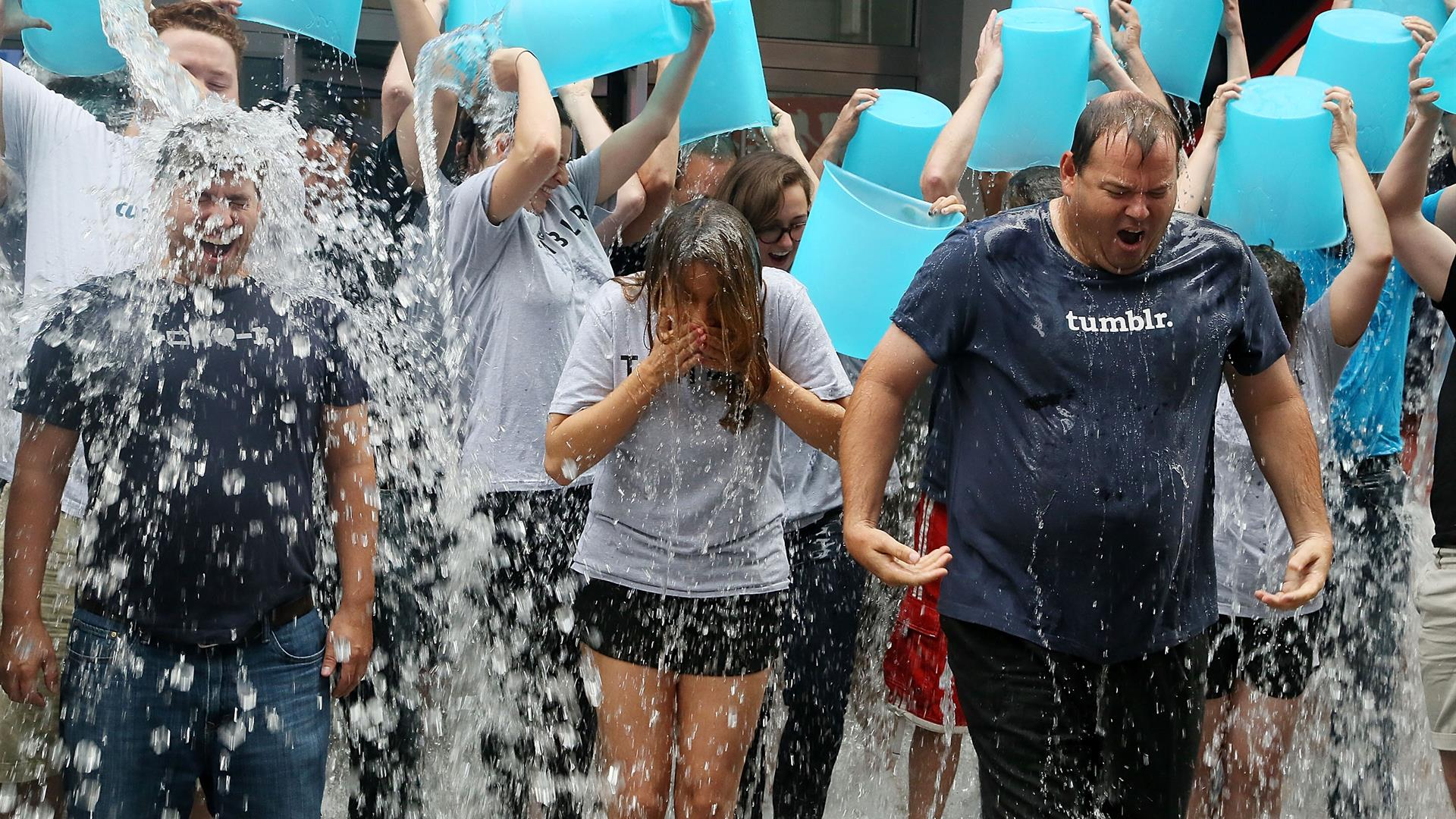 Ice Bucket Challenge Astrid Stawiarz:Getty Images