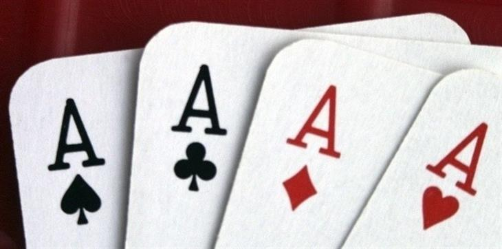 Azzardo carte assi poker