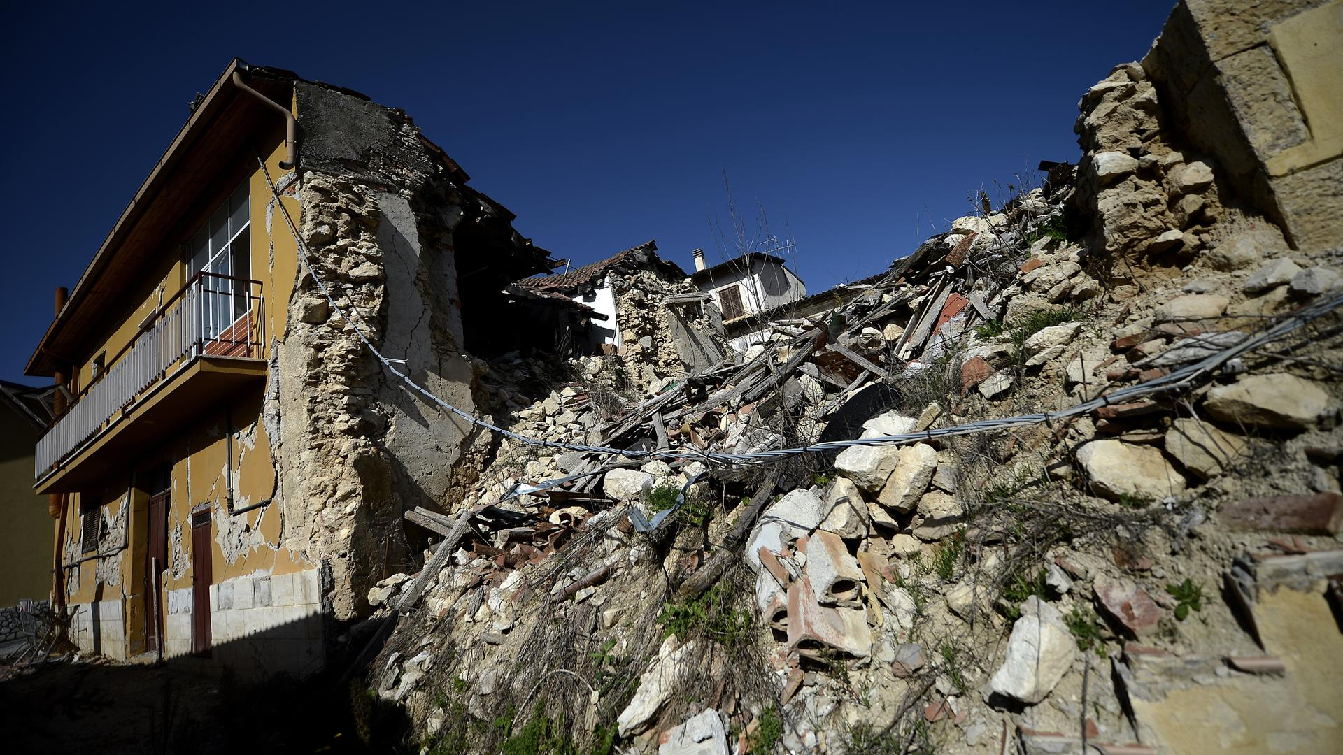 FILIPPO MONTEFORTE:AFP:Getty Images Terremoto Aquila