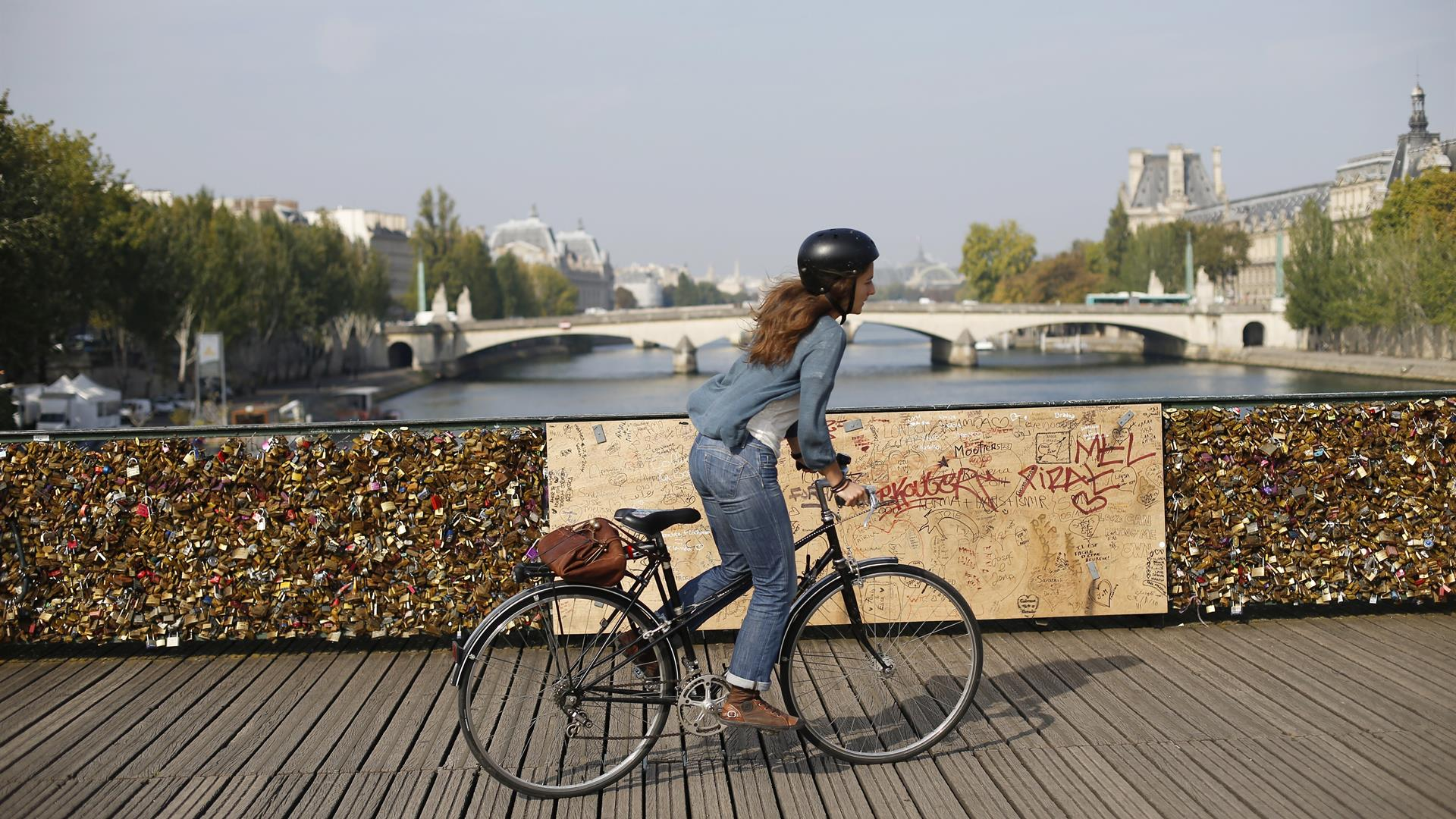 Bici Parigi THOMAS SAMSON:AFP:Getty Images