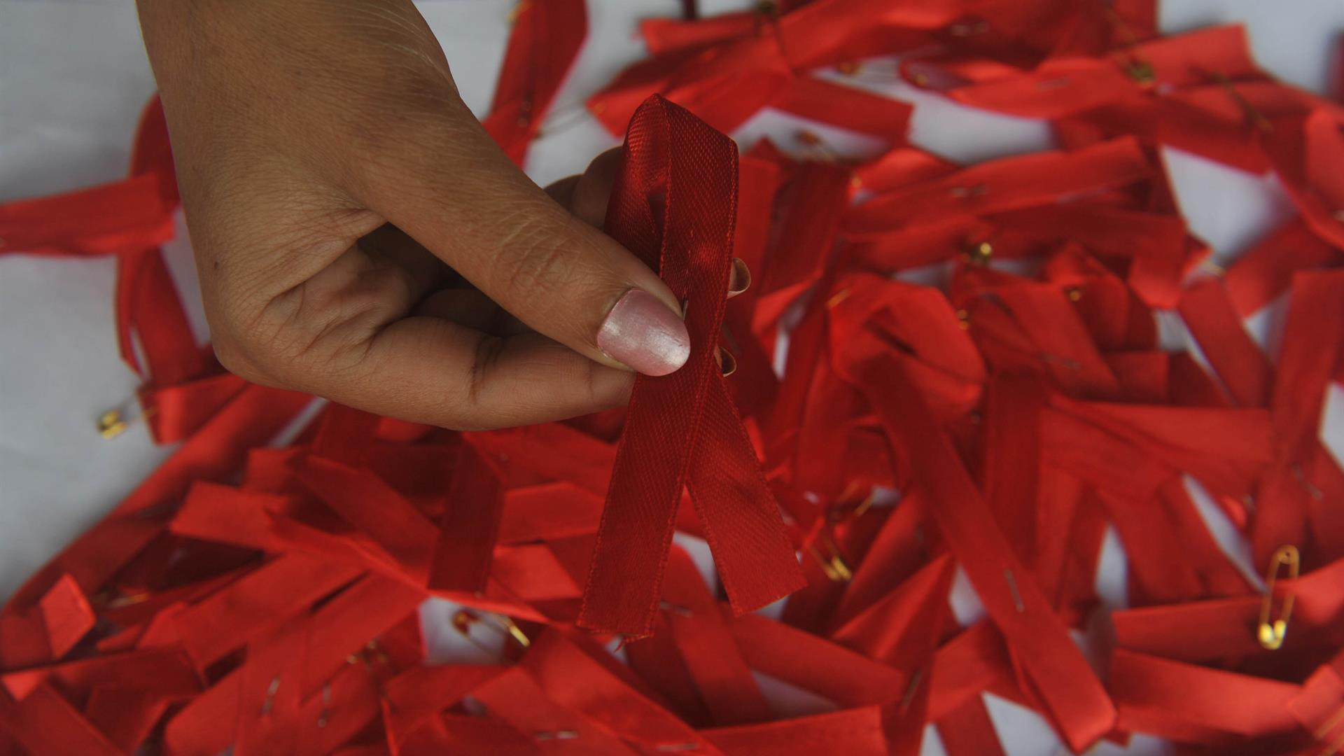 DIPTENDU DUTTA:AFP:Getty Images Red Ribbon