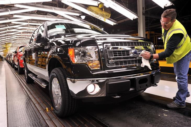 Ford Adds 900 To Kansas City Plant000