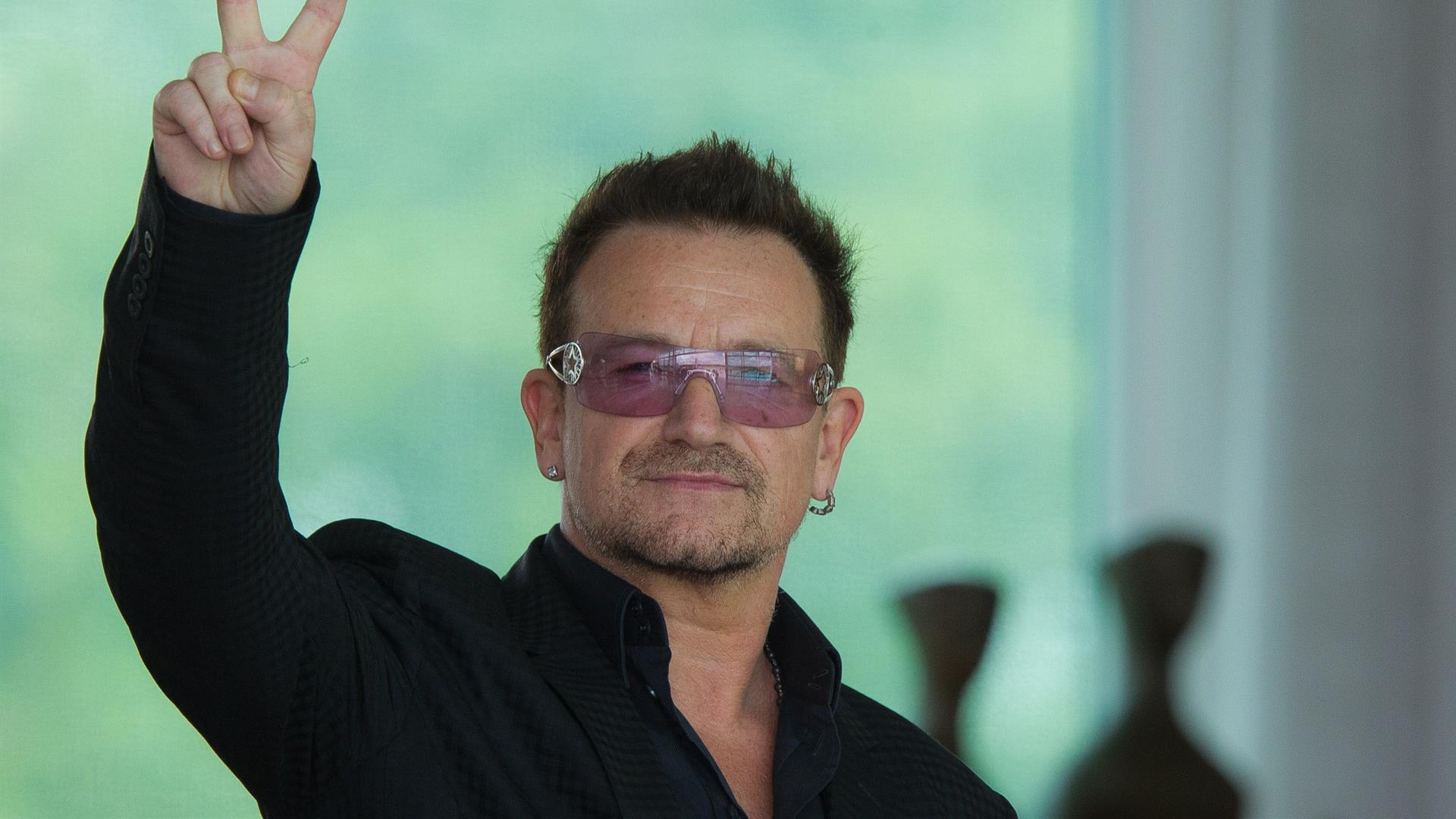 Bono Vox, Peace, Man With Glasses 246991