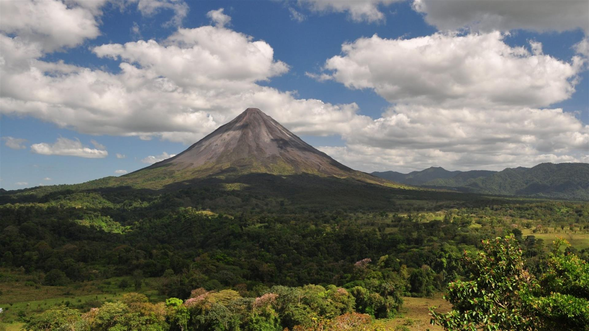 Costa Rica Arenal Volcano 768X1366