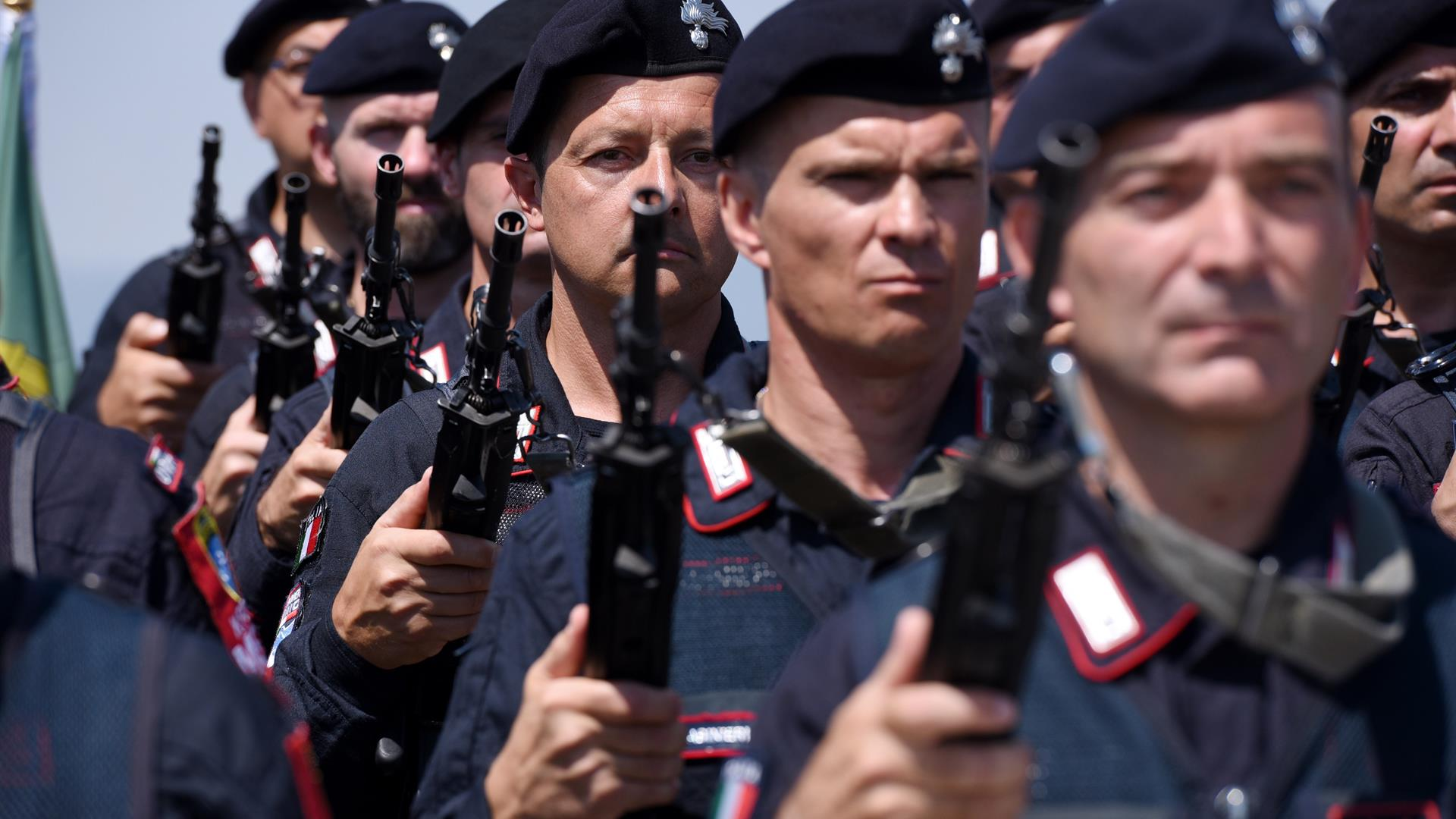 Carabinieri ARMEND NIMANI:AFP:Getty Images
