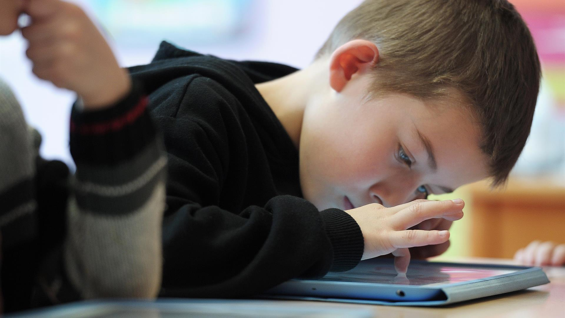 Scuola Tablet FREDERICK FLORIN:AFP:Getty Images)Getty Images 167254071
