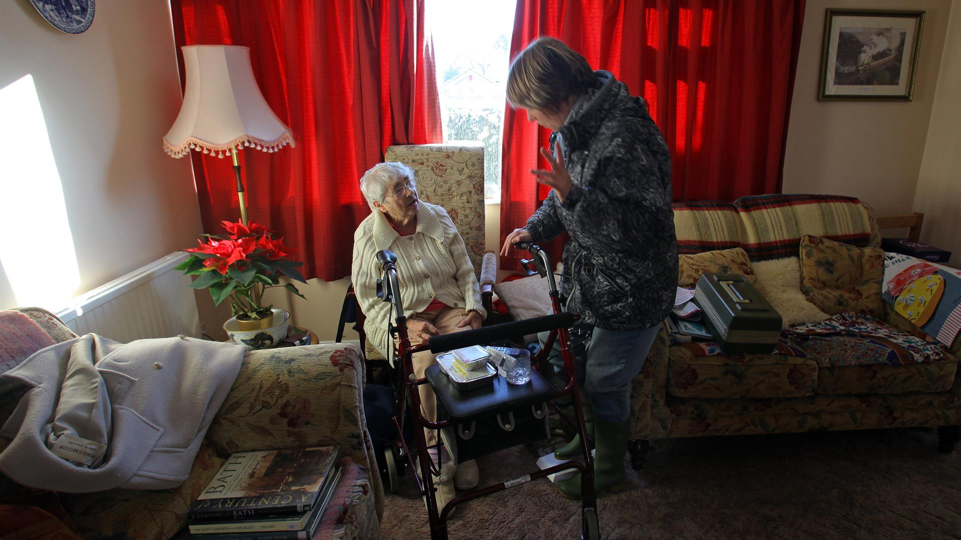 Matt Cardy:Getty Images Caregiver Familiare