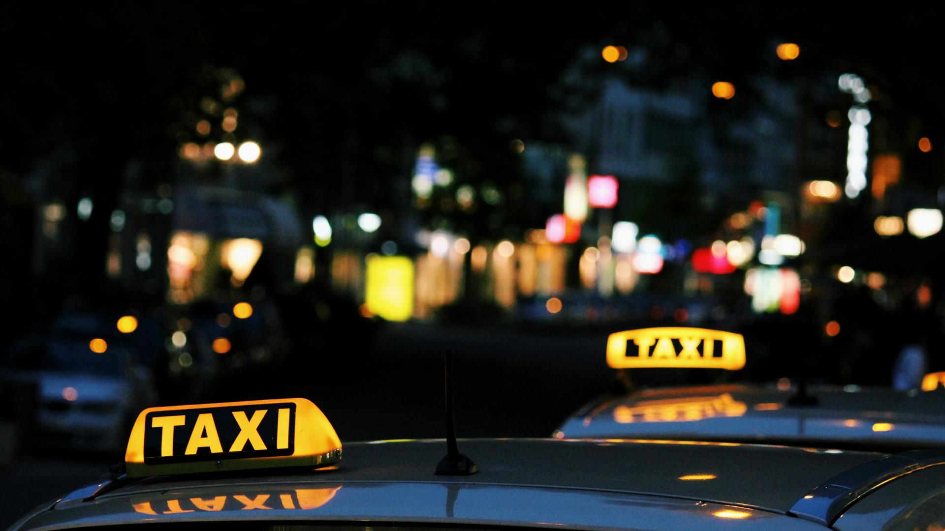 Lexi Ruskell Taxi Unsplash