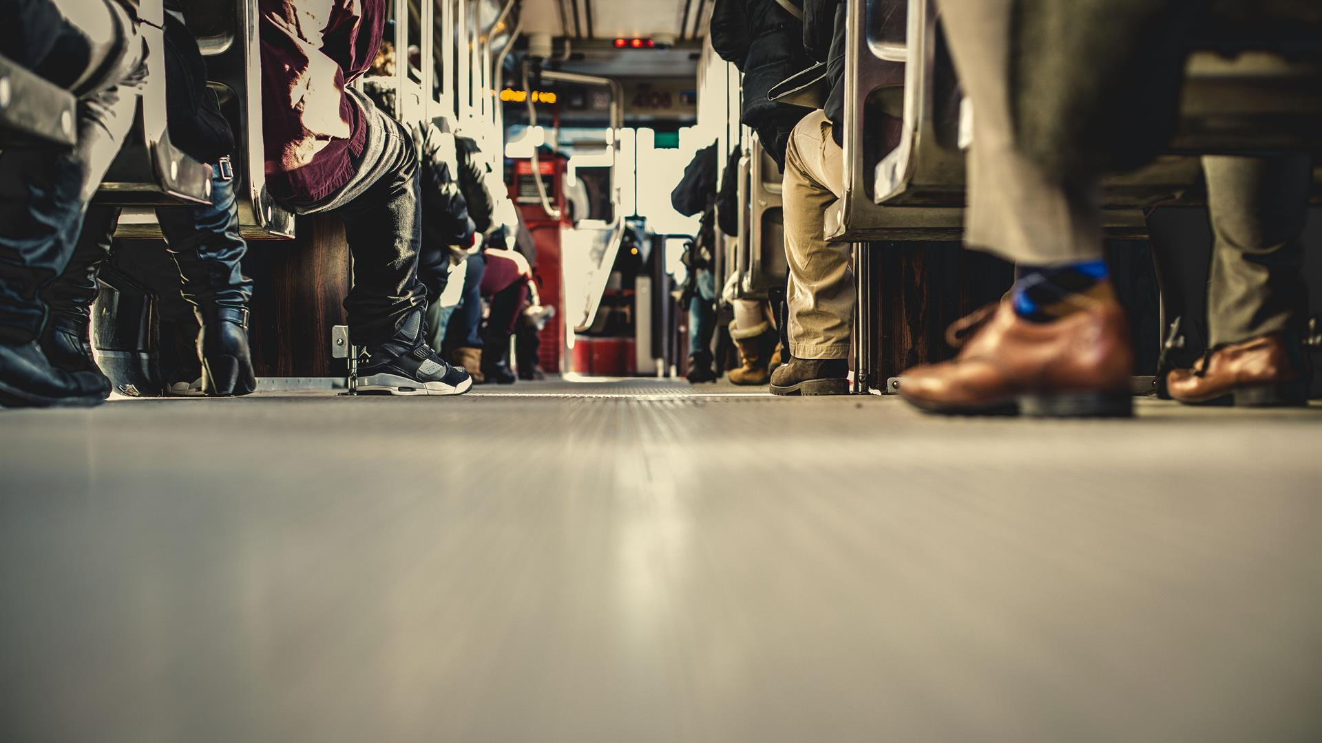 Metropolitana Folla Povertà Matthew Henry Unsplash